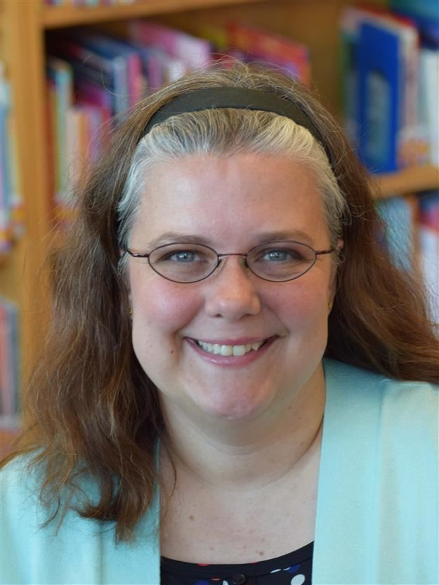 27d707e071b1 photo of Michelle Guess, Library Media Specialist